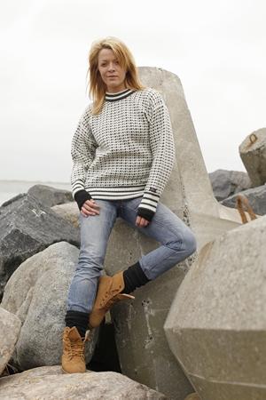 Færøsk strik & sweaters af 100% ren ny uld fra Norwool