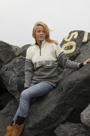 Smuk Norsk uld sweater i strik fra NORWOOL