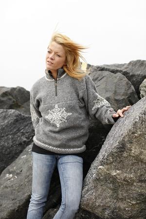 Striktrøje med isstjerner fra Norge 100% uld