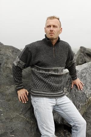 Stort udvalg af Norske sweaters & strik, køb her nu