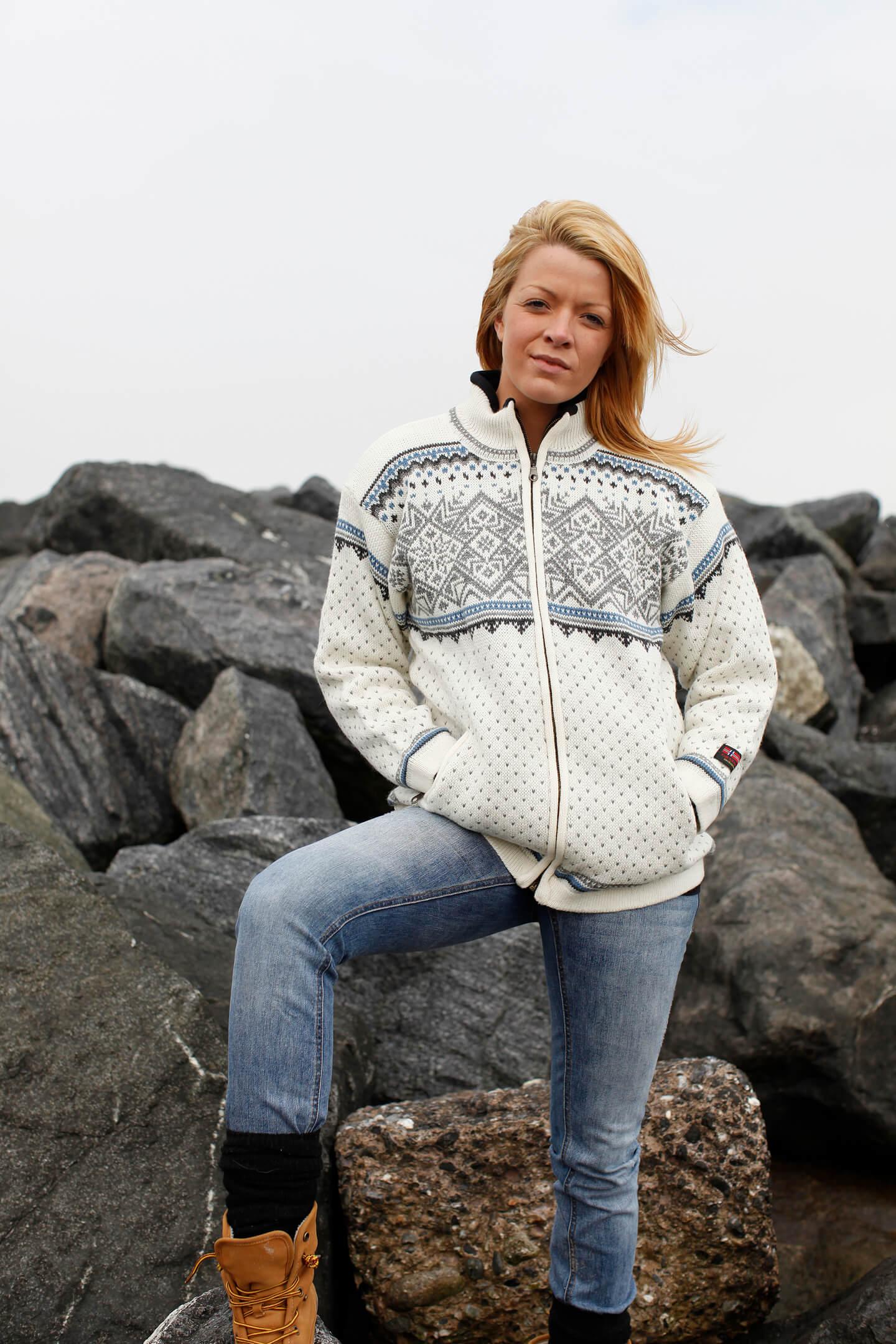 5e2fad45 Windbreaker cardigan fra Norge i ren ny uld/kamgarn & lommer